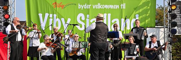 Ramsø Folkedansere og spillemænd. Høstfest 2019. Foto: Marius Paul Neacsu